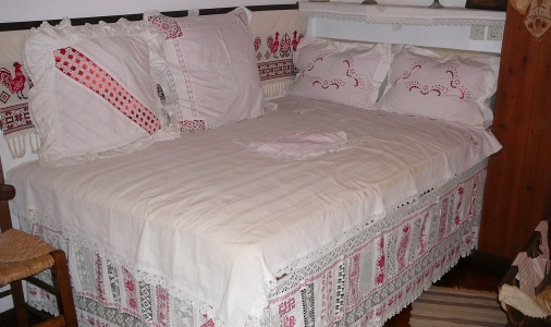 Needles4all. Greece Crete. Embroidered Bedclothes 1