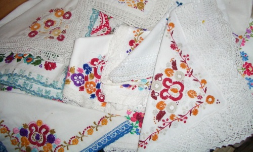 Needles4all. Hungarian Hand Embroidered Hankies