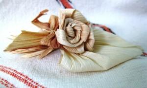 Needles4all.-Hungary.-Corn-leaf-craft