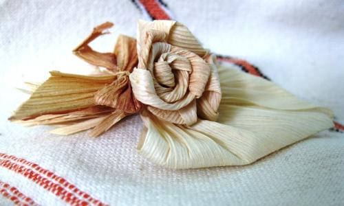 Needles4all. Hungary. Corn Leaf Craft