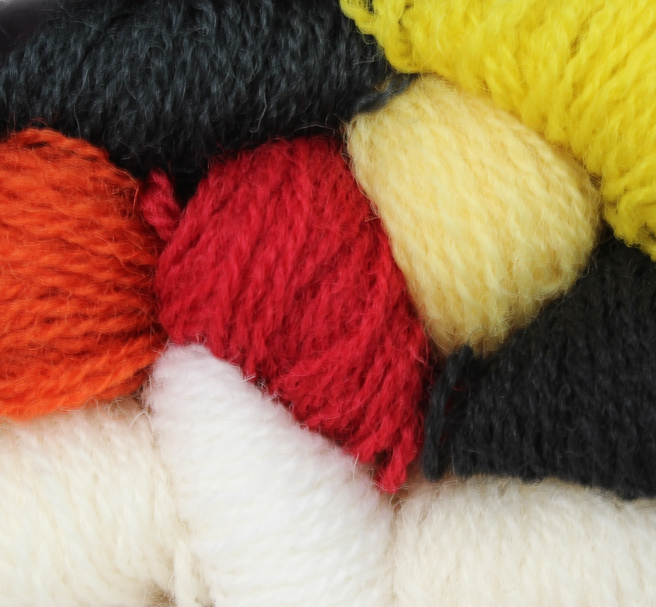 991 – 998 Zwarten, Witten En Diverse Kleuren
